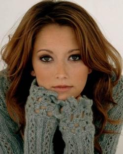 Taryn Southern - sweater