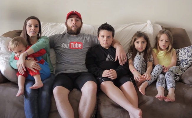 Shaycarl raises 200k for documentary about vlogging for Shaytards idaho house