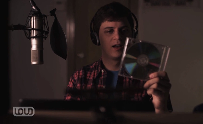 watsky-releasing-album-loud