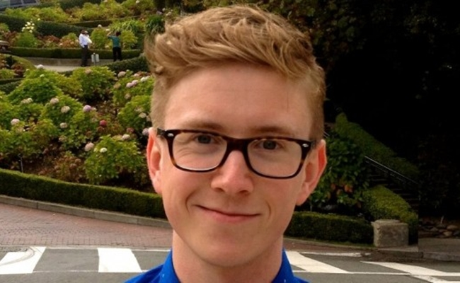 Youtube millionaires tyler oakley climbs steadily to new heights m4hsunfo