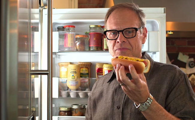 'Good Eats' Host Alton Brown Invites YouTube Viewers To 'Cook Smart'