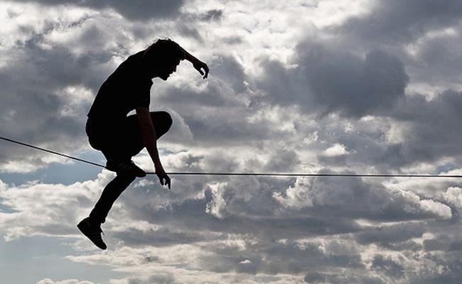 tighrope-walking-online-video