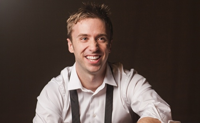 'One-Man A Cappella Group' Peter Hollens Gets A Record Deal