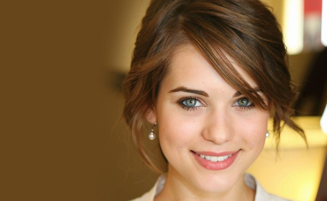 Amazon Studios Preps Next Pilot 'Down Dog,' Casts Lyndsy Fonseca by Bree Brouwer of Tubefilter