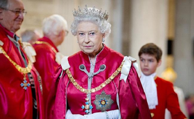 Netflix-The-Crown-UK-Original-Series-Queen-Elizabeth