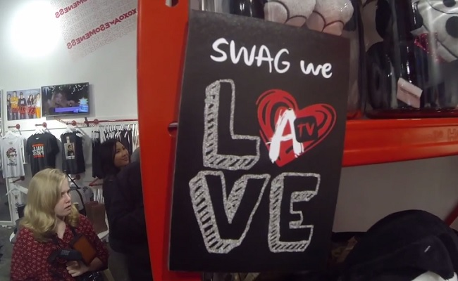 Scene-AwesomenessTV-Pop-Up-Store-Opens