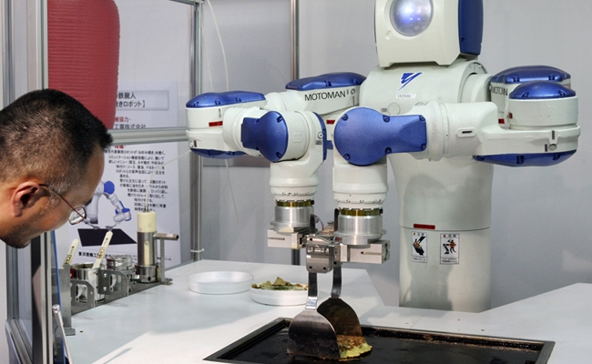 Researchers use youtube videos to teach robots how to cook for Robot cuisine chef