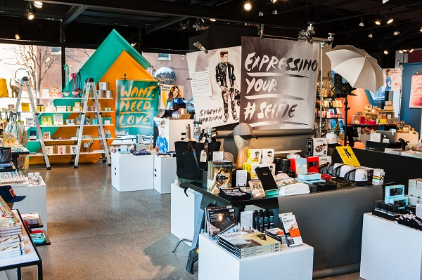 AwesomenessTV-STORY-Your-STORY-Retail-Experience-4