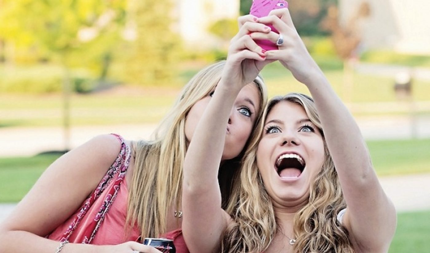 Study Reveals Higher Teen Use Of Snapchat, Instagram Among Wealthy Households