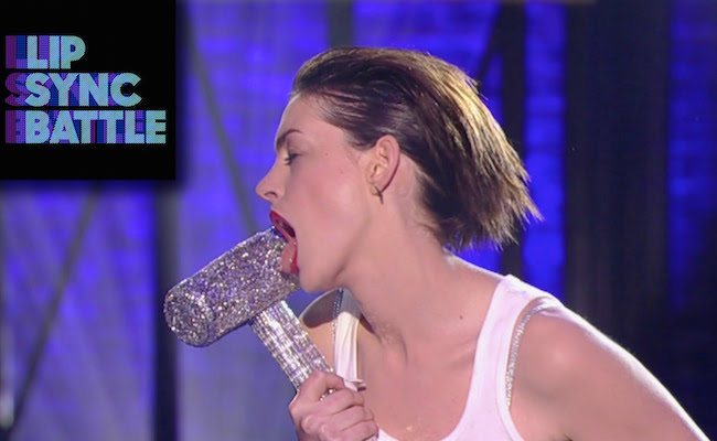 lip-sync-battle-anne-hathaway-wrecking-ball