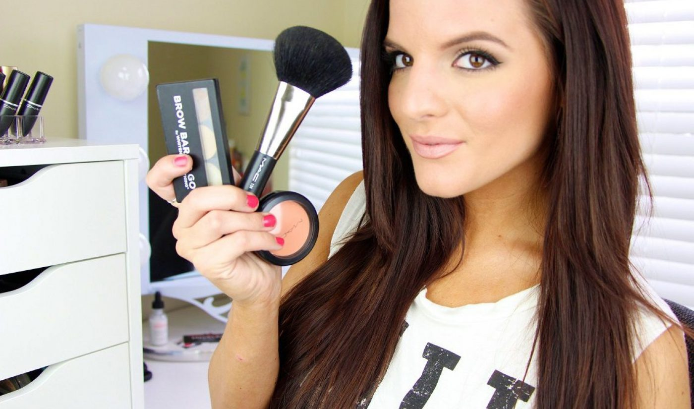YouTube Beauty Vlogger Casey Holmes Signs With Kin Community