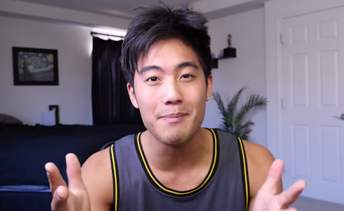 """YouTube Star Ryan Higa And His Fans Say """"I Love You"""" To Their Dads"""