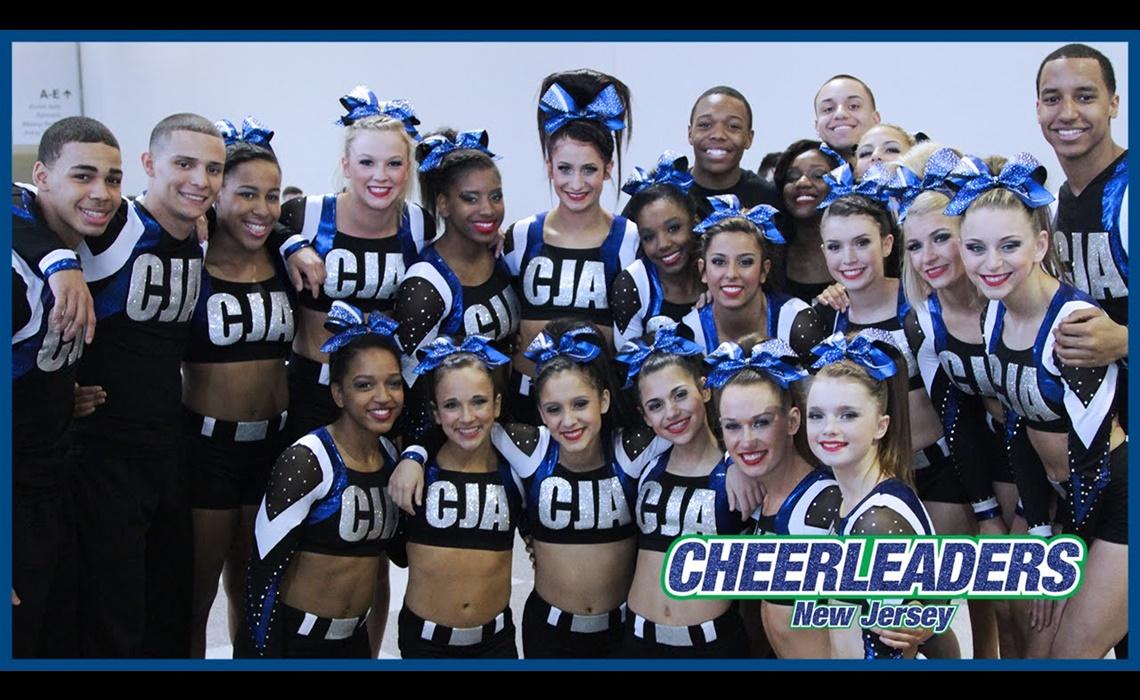 cheerleaders-awesomeness-tv