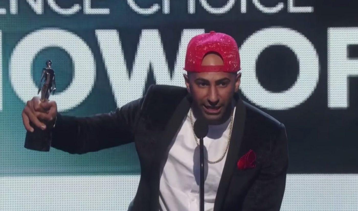 FouseyTUBE, Cameron Dallas Win Big At 2015 Streamy Awards