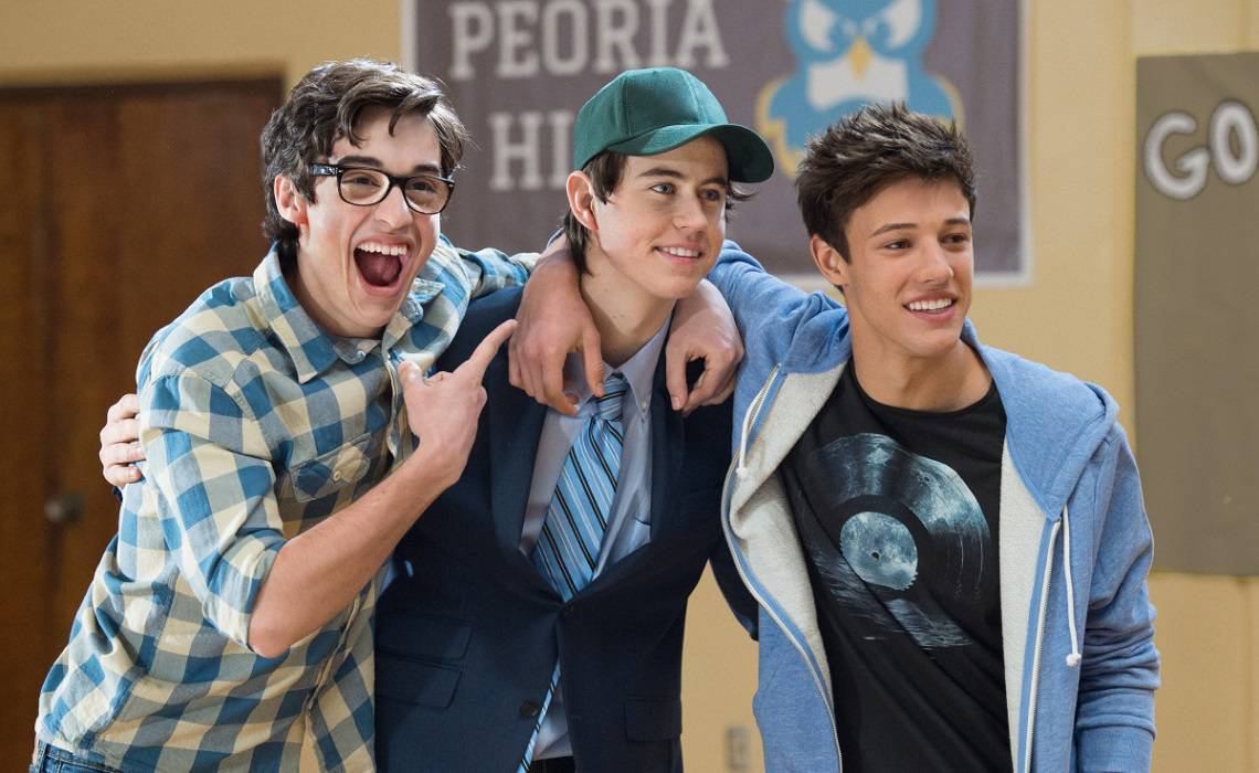 Como Ser Indie Great fullscreen's 'the outfield' starring cameron dallas, nash grier