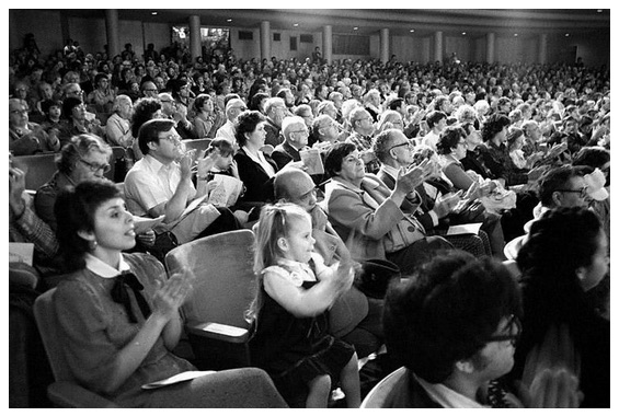 audience-black-and-white