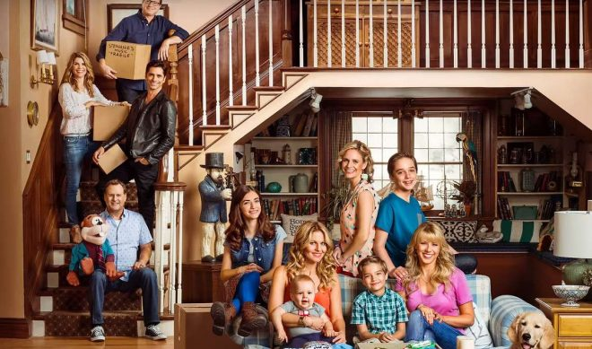 'Fuller House' Cast Is Super-Busy In Short New Netflix Teaser Trailer