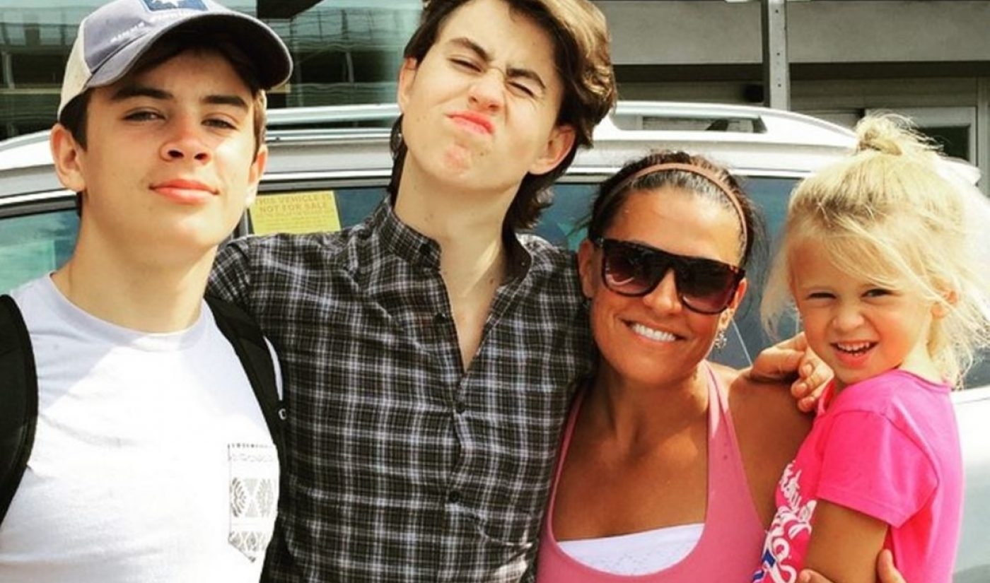 Mom To Nash And Hayes Grier Signs With Awestruck For Lifestyle Channel Launch