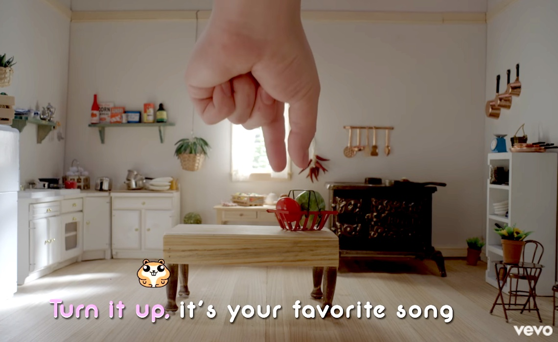 katy-perry-chained-to-the-rhythm-hamster-tiny-kitchen