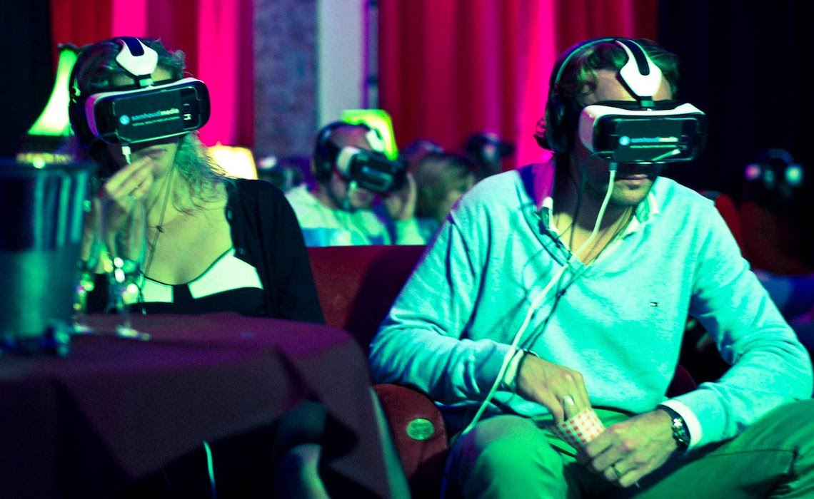 virtual-reality-movie-theater