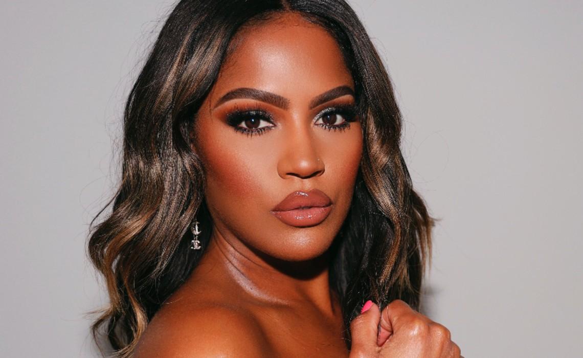 Uta Signs Por Beauty Creator Shayla