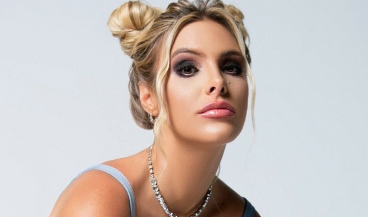 Digital Multi-Threat Lele Pons Signs With CAA